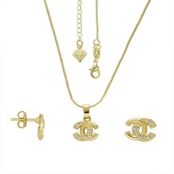 Conjunto folheado a ouro com brincos e pingentes Chanel Inspired