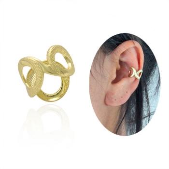 Piercing Fake de orelha folheado a ouro com detalhes vazados e estampas