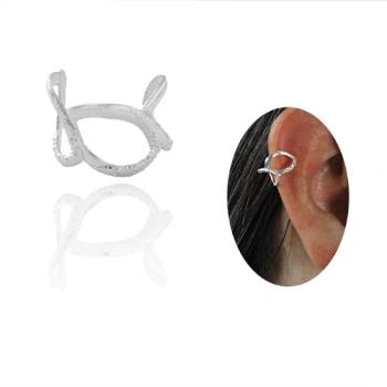 Piercing Fake de orelha folheado a prata com detalhes vazados e estampas
