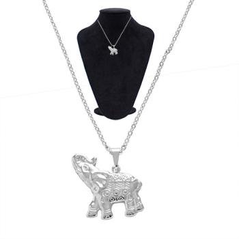 Gargantilha folheada a prata com pingente em forma de elefante